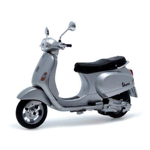 Moto Vespa Lx 2005 1:18 Maisto