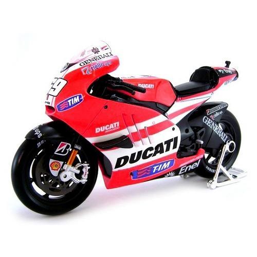 Moto Ducati Desmosedici 2011 Nicky Hayden 1:6 Maisto