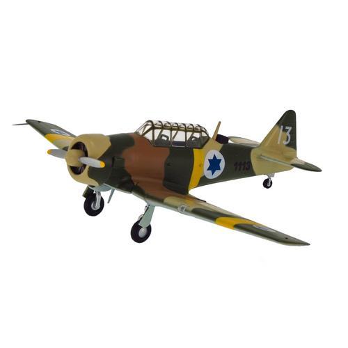 Avião Militar T-6 1:72 Easy Model
